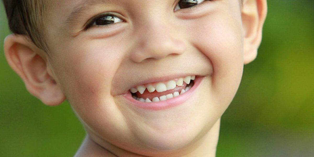sorriso-criança-1280x640-1200x600.jpg