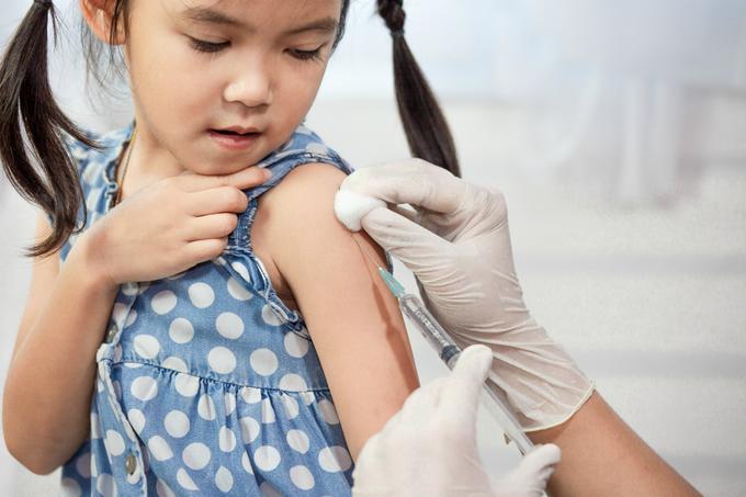 Vacina-sarampo-e-pólio.png