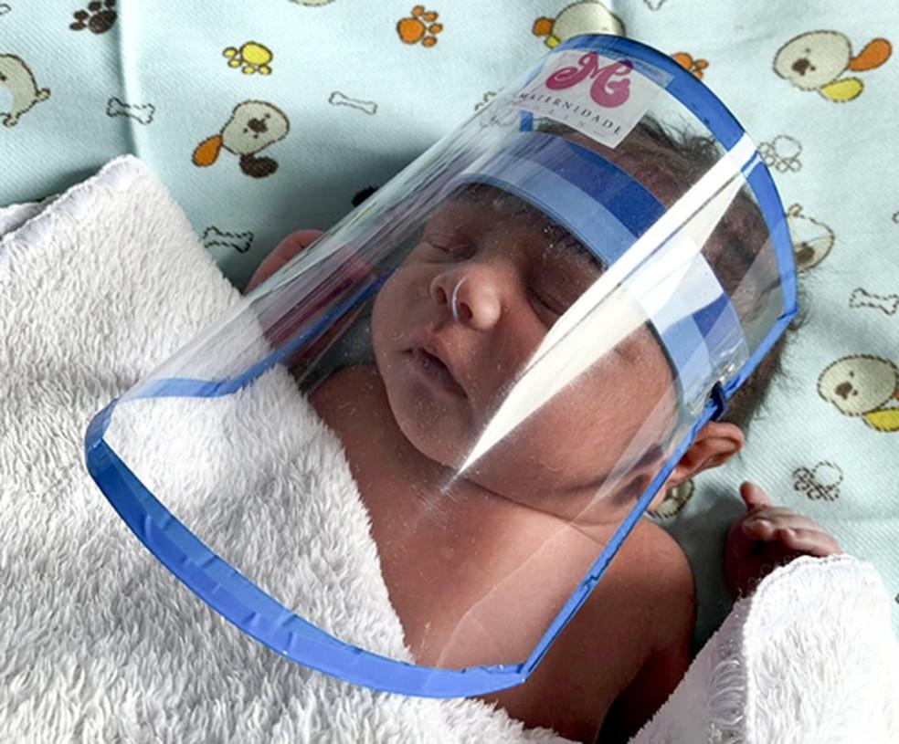 Bebê-nasce-sem-Covid-19.jpg